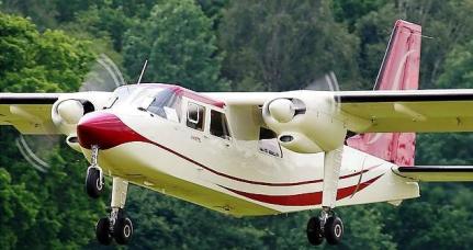 Închiriere Avioane Multi-Piston